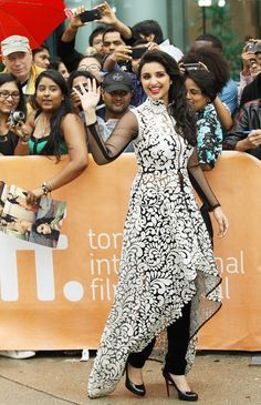 "Parineeti Chopra is warmly greeted by fans at the premiere of A Random Desi Romance. (Getty Images) - ""anarkali"" with high low hemline - shorter in front, longer in back Pakistani Dresses, Indian Dresses, Stylish Dresses, Fashion Dresses, Kurta Designs Women, Kurti Designs Party Wear, Desi Clothes, Estilo Boho, Mode Hijab"