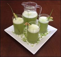 Suco de Limão com Gengibre e Capim Cidreira