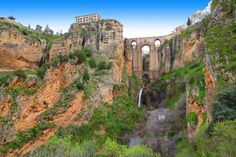 This walk takes us through the old town of Ronda, passing ancient palaces, bridges, that have been used over centuries, the Arabic baths, and finally, we follow the El Tajo Gorge down to the fertile valley below the town. There are many reasons why Ronda is …