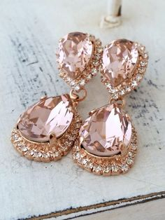 Bridal earrings,Blush earrings,Morganite earring Rose gold,Chandelier earrings,blush pink g. Gold Bridal Earrings, Rose Gold Earrings, Bridesmaid Earrings, Bridesmaid Gifts, Dangle Earrings, Crystal Earrings, Pink Sapphire Earrings, Wedding Earrings Drop, Pink Necklace