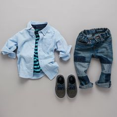 Boys' fashion | Kids' clothes | Button down shirt | Striped tee | Patch jeans | Sneakers | The Children's Place