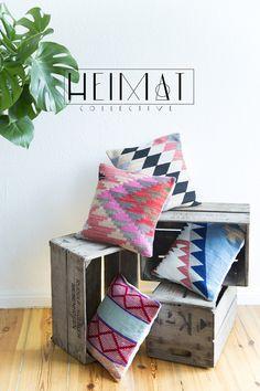 Kissen - Handgewebtes Wollkissen, modernes ethno Design, - ein Designerstück von Heimatcollective bei DaWanda