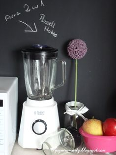 Aura blender with grinder