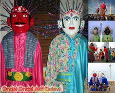 ondel--ondel merupakan Sebuah boneka besar yang mengenakan baju tradisonal Betawi. Pertunjukan Ondel-Ondel biasanya ditampilkan dalam sebuah pesta. Ondel-Ondel ini memerankan sebagai leluhur yang akan selalu menjadi keturunannya atau anak cucunya
