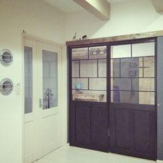 ほんとにこれが障子?目から鱗のリメイクアイディア10選 | RoomClip mag | 暮らしとインテリアのwebマガジン My Room, My House, Diy And Crafts, Windows, Doors, Interior, Outdoor Decor, Furniture, Inspiration