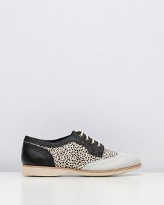 Browse the latest range of designer flats shoes. Iconic Australia, Buy Shoes Online, Travel Shoes, Snow Leopard, Brogues, Your Shoes, Womens Flats, Comfortable Shoes, Trending Outfits