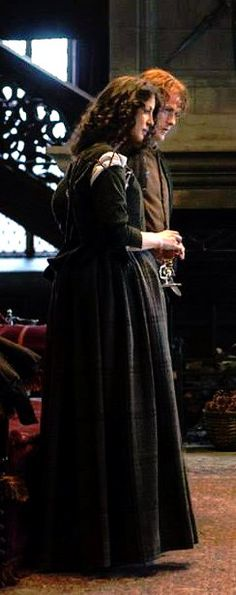 1b-112 ~ LALLYBROCH ~ Jamie and Claire at Lallybroch