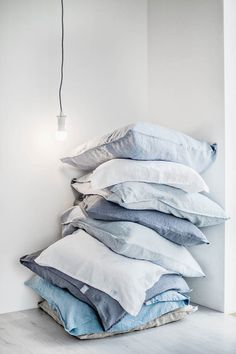 Set of 2 pillowcases SUPER STANDARD cm) / Set of 2 washed linen pillowcases / 35 colors - Pillows Case - Ideas of Pillows Case - . Linen Pillows, Linen Bedding, Bed Pillows, Cushions, Linen Fabric, Bedding Sets, Bed Linens, Soft Pillows, Cotton Pillow