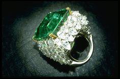 anillo de esmeralda de tiza
