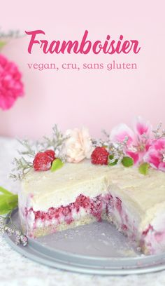 A raw sponge cake, a vanilla cream and raspberries: this is a great vegan, raw and gluten-free cake to celebrate a birthday! No Bake Desserts, Vegan Desserts, Raw Food Recipes, Baking Recipes, Dessert Recipes, Dessert Healthy, Baking Desserts, Healthy Recipes, Gluten Free Cheesecake