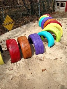 Ideas For Using Tires In Your Outdoor Space - Pre-K , ideen für die verwendung von reifen in ihrem außenraum - pre-k , , idées d'utilisation de pneus dans votre espace extérieur - pre-k , ideas para usar neumáticos en su espacio al aire libre - pre-k Diy Playground, Puppy Playground, Preschool Playground, Playground Design, Backyard Play Equipment, Canis, Daycare Spaces, Dog Backyard, Luxury Dog Kennels