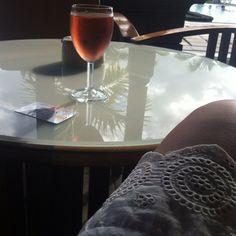 Rose' wine Mauritius, Alcoholic Drinks, Wine, Glass, Food, Drinkware, Corning Glass, Essen, Liquor Drinks