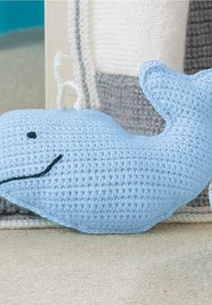 Baby friendly crochet! Get the free pattern for this adorable crochet whale. :)