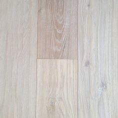 "Engineered Hardwood - Palacio Wide Plank Oak Collection - Alban / Oak / 7 1/2"""