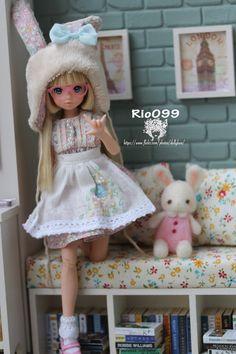cheeky bunny by Rio099