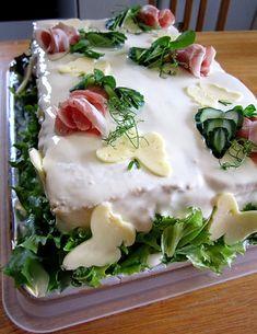 Kääpiölinnan köökissä: Vielä yksi asia - Kääpiölinnan parempi kinkkuvoileipäkakku! Sandwiches, Eggs, Chicken, Meat, Breakfast, Food, Recipes, Salad, Morning Coffee