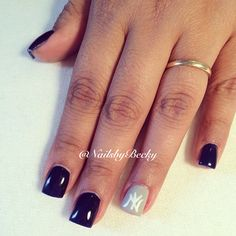 Instagram @NailbyBecky NY Yankee Nails