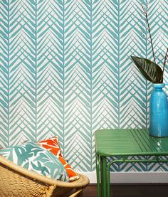 We're #SummerReady with these Cosmopolitan collection wallpapers from @NobilisFrance Available in suite 508 at the #DDBuilding