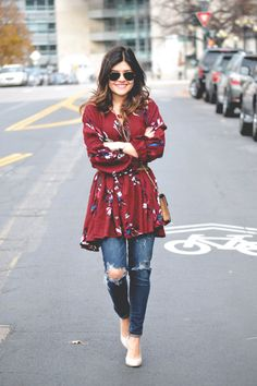 FLORAL TUNIC AND JEANS. CASUAL OUTFIT IDEA http://rstyle.me/n/bdqw4abhxn7