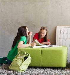 Modulaarisuus, värit. http://www.martela.fi/tuotteet/tuolit/jakkarat-ja-penkit/diagonal-play