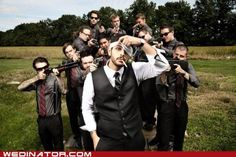 Funny Wedding Photos I'll be doing this one some day. 20 Wedding Groomsmen Photos Done Right! - Wedding photos with a touch of humor. Funny Groomsmen Photos, Groomsmen Wedding Photos, Funny Wedding Photos, Groom And Groomsmen, Wedding Pictures, Wedding Ideas, Wedding Fail, Gangster Wedding, Wedding Humor