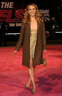 http://www.newsgab.com/attachments/celebrity-pictures/96331d1207405710-rachael-leigh-cook-victorias-secret-runway-show-cbs-gold-dress-leggy-838399.jpg