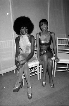 Naomi Campbell and Christy Turlington, 1990.