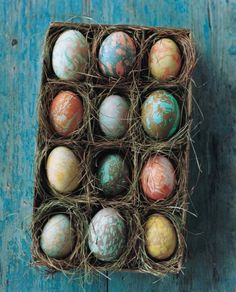 12 DIY Activities for a Playful Easter Easter Egg Crafts, Easter Eggs, Easter Stuff, Easter Food, Easter Decor, Types Of Eggs, Easter Egg Designs, Easter Table Settings, Palette