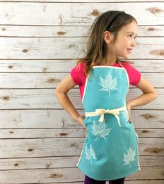 Eco friendly gift for child, organic cotton canvas apron for kids/children/boys/girls, nature craft smock, baking and cooking, handprinted Cafe Style, Kids Apron, Nature Crafts, Turquoise Color, Aprons, Kids Boys, Gifts For Kids, Boy Or Girl, Organic Cotton