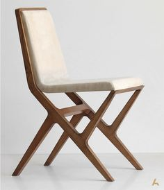 Nikka chair | Produced in oak or beech. Designed by George Bosnas for Anesis.