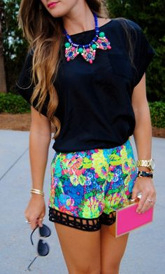 Lulumarie Floral Printed Shorts. J.crew statement Necklace. Express wedges. @jimmychoo sunglasses. #fashion #floral