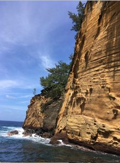 Cap Jaune dans le Sud Sauvage de la Réunion en passant par le sentier terre rouge. France, Travel Inspiration, Islands, Europe, Ocean, Earth, Indian, World, Water