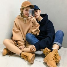 Me and junkook as a couple Korea Fashion, Kpop Fashion, Asian Fashion, Fashion Outfits, Ulzzang Fashion, Harajuku Fashion, Korean Couple, Korean Girl, Korean Ulzzang