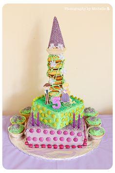 cake http://1.bp.blogspot.com/-RoKjE6aKT9s/Tw5i09DvICI/AAAAAAAAC3U/j3yuP20oKHs/s1600/TangledCake.jpg