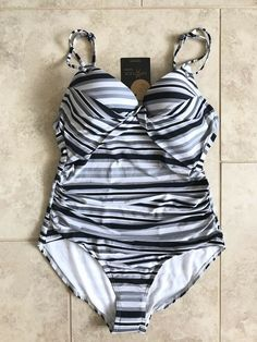 Marks /& Spencer/'s Spearmint Tummy Control Moulded Cups Swimsuit UK 8 /&10 BNWT