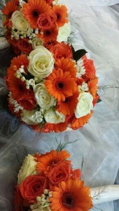 Gerberas y rosas. Flores para bodas de otoño. #bodas #ramodenovia #otoño