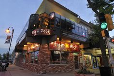 Modern American cuisine with a sense of adventure, High Rock stands out with bold flavors and fresh ingredients. Serving lunch, dinner and late-night tapas you can enjoy this local's favorite restaurant , located in the heart of downtown Wisconsin Dells.