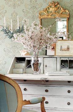 antique secretary desk, wallpaper, twiggy flowers, gold mirror and french chair Home Interior, Interior Design, Bathroom Interior, Interior Ideas, Modern Bathroom, Sweet Home, Boho Home, Home Living, Living Room