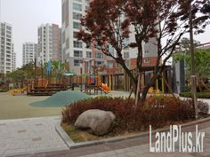 This is a four bedroom, 2 bathroom 44 Pyeong apartment which is roughly 113.3m2 or 1220 sq ft. Brown Stone is a newly built apartment complex with seventeen buildings and 944 apartments conveniently located only a fifteen-minute walk from the walk-thru gate of Camp Humphreys. The apartments are spacious and many are equipped with modern furnishings and appliances. The complex has underground parking and is nicely landscaped with a children's playground. There is an indoor…