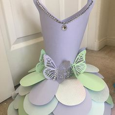 Just so many fun ways you can dress up a paper dress Origami Dress, Corsage, Best Part Of Me, Paper Flowers, Centerpieces, Dress Up, Diy Projects, Handmade, Crafts