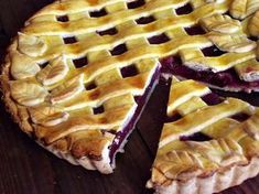 CAIETUL CU RETETE: Tarta cu cirese Sweets Recipes, Baking Recipes, Cake Recipes, Zucchini Quiche Recipes, Sweet Pastries, Homemade Cakes, No Bake Cake, Bakery, Deserts