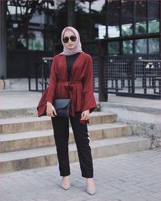 Casual Hijab Shirt Outfits For Office Ala Selebgam 2018 top white ribbon blouse Modern Hijab Fashion, Hijab Fashion Inspiration, Winter Fashion Casual, Muslim Fashion, Casual Hijab Outfit, Hijab Chic, Casual Outfits, Hijab Style Dress, Hijab Fashionista