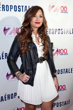 Demi Lovato Haircut 2012   Celebrity Hairstyles 2012-2013