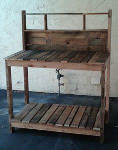Reclaimed Pallet Potting Bench    LOVE IT