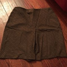 NWOT Old Navy Skirt Old Navy Skirt   Brand New without tags!  Just needs ironing!!  Size 1 Old Navy Skirts Mini