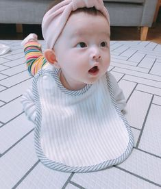 Korean Babies, Asian Babies, Cute Babies, Baby Kids, Ulzzang Kids, Daddy And Son, Cute Baby Clothes, Baby Bumps, Baby Pictures