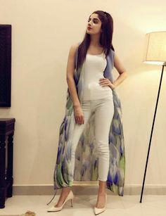 Very Smart and Pretty Girl Mawra Hocane in her Home! Shrug For Dresses, Trendy Dresses, Elegant Dresses, Beautiful Dresses, Fashion Dresses, Pakistani Dresses, Indian Dresses, Indian Outfits, Long Shrug