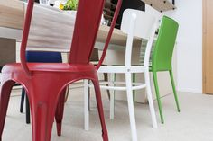 Detail na farebné stoličky Dining Chairs, Furniture, Home Decor, Decoration Home, Room Decor, Dining Chair, Home Furnishings, Home Interior Design, Dining Table Chairs