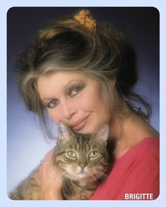 Brigitte Bardot, Bridget Bardot, Saint Tropez, Celebrities With Cats, Celebs, Divas, Actrices Sexy, Hair Icon, Glamour