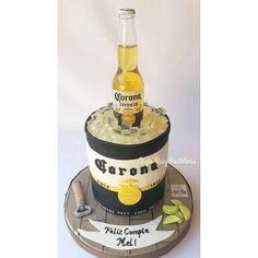 Cerveza Corona.  Torta. Cake. Beer. Tucuman. Corona Cake, Corona Beer, Cake For Boyfriend, Boyfriend Birthday, Guys 21st Birthday, Birthday Cake, Novelty Cakes, Birthday Party Decorations, Amazing Cakes
